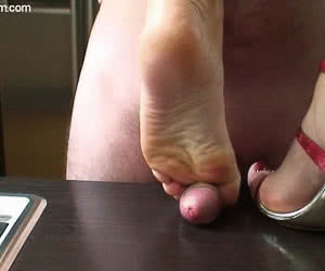Category: foot fetish animated GIFs