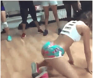 Category: twerking booty animated GIFs