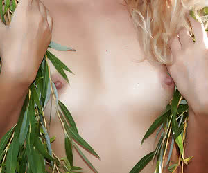 Related gallery: hot-tits (click to enlarge)
