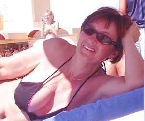 Related gallery: mature-in-bikini (click to enlarge)