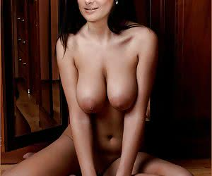 Related gallery: salma-hayek (click to enlarge)